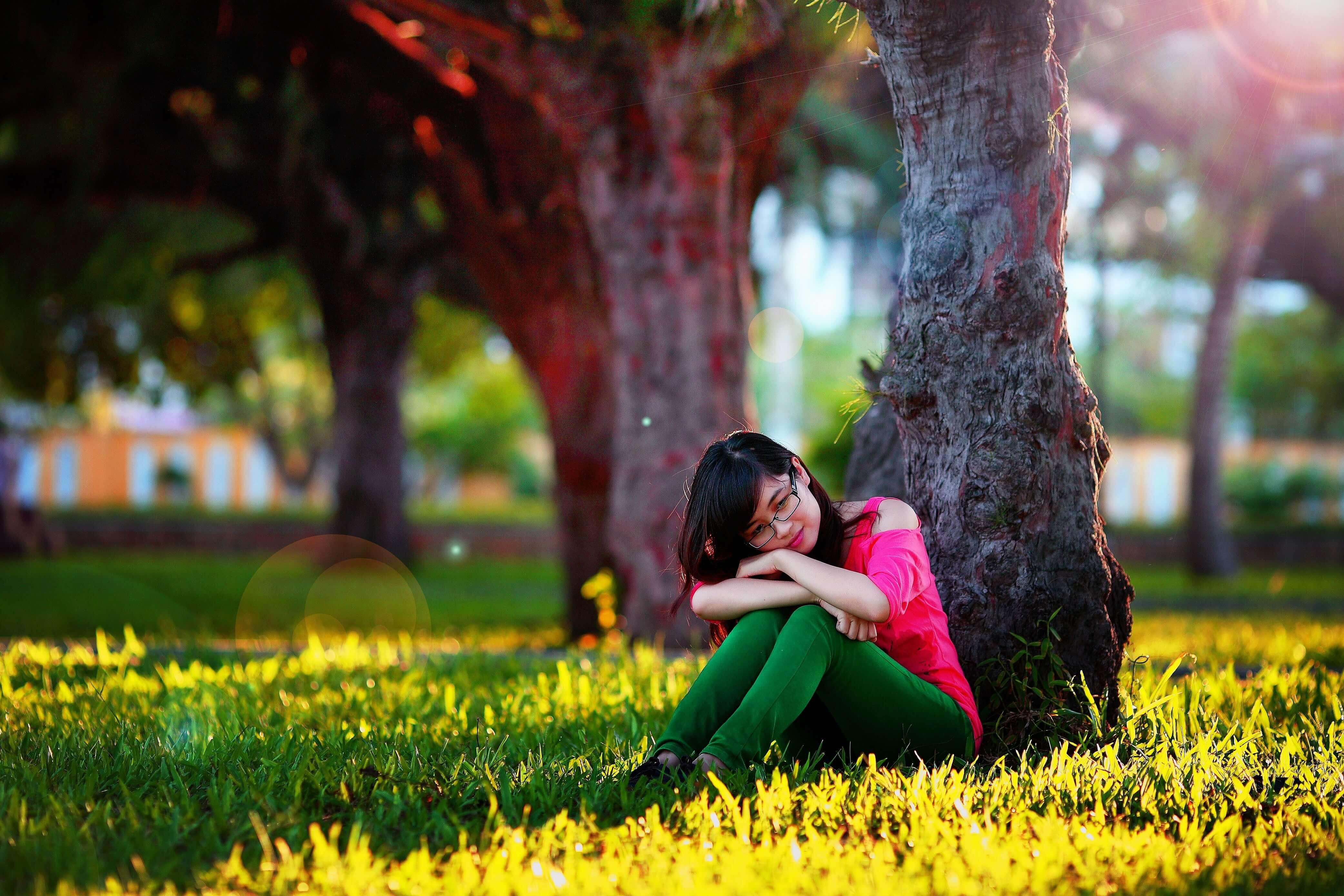 beautiful-blur-fashion-female-210628 (1).jfif